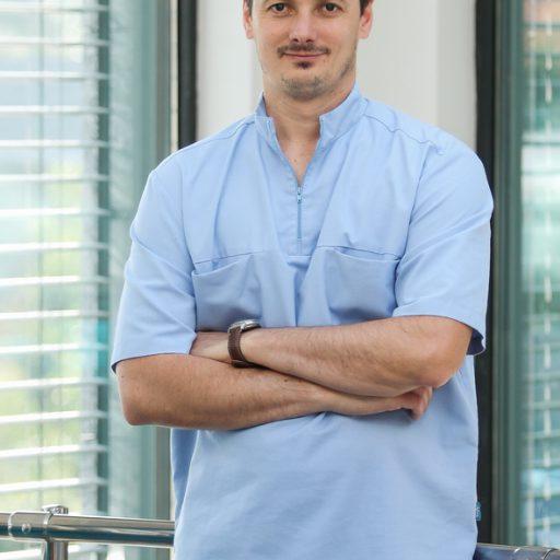 Docteur Balázs KÖVÉR