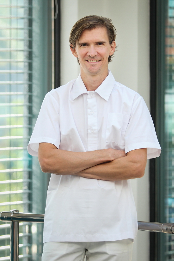 Docteur Gábor TAMÁSOVICS